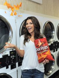Note to future girlfriends... Doritos do not make you look like this.